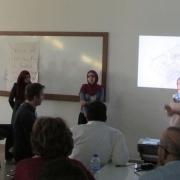 """دائرة الهندسة المدنية والمعمارية في كلية الهندسة تشارك بورشة عمل بعنوان:  """"تصميم سكن بيئي مستدام"""" في جامعة القدس أبوديس"""